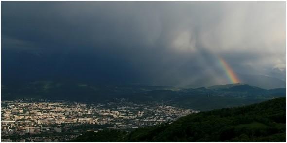 Arc en ciel sur le Sud de Grenoble - 29 avril 2011 - 18h45