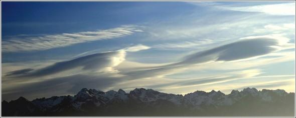 Lenticulaires au dessus de Belledonne - 20 novembre 2009