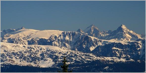 Belledonne (Chamrousse) et Oisans (2 Alpes) depuis Autrans - 10 février 2011