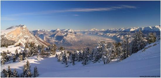 Panorama depuis les pistes de Lans en Vercors - 13 decembre 2008