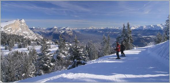 10h17 - Chartreuse, Grenoble, Mont Blanc et Belledonne depuis les pistes de Lans en Vercors