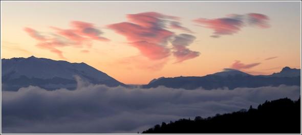 Mer de nuages et lever de soleil - En direction du Sud - 22 janvier 2010