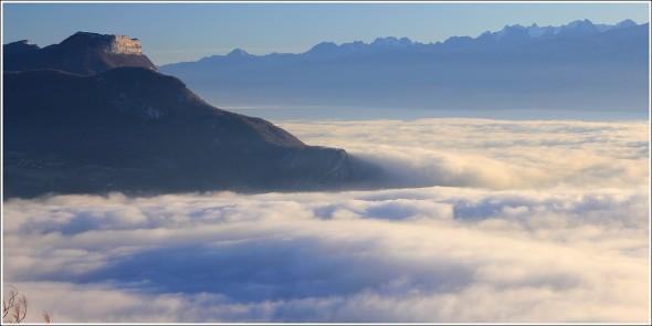 Mer de nuages, Bastille de Grenoble et Belledonne depuis le Vercors - 25 novembre 2011