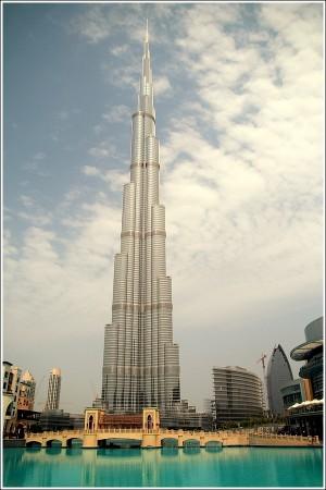 Burj Dubaï, 828m, la plus haute tour du monde ...