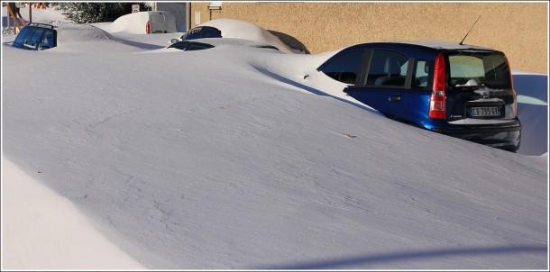 Autrans - Vercors - Voitures ensevelies après la tempête de neige - 29 octobre 2012