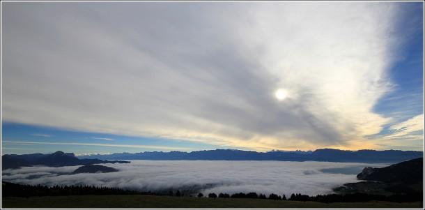 Mer de nuages au-dessus de Grenoble - 1er octobre 2013
