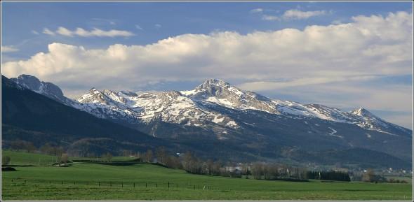 Villard de Lans et la Grande Moucherolle (2284m) depuis Lans en Vercors - 30 avril 2010